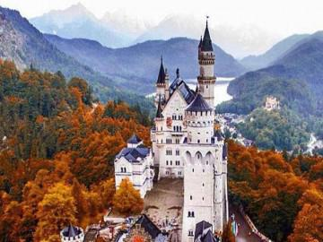 Lâu đài cổ tích Neuschwanstein - tượng đài du lịch của Đức