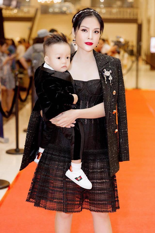 sieu mau thanh hang, minh tu cung nhau dot chay san dien asian kids fashion week - 12