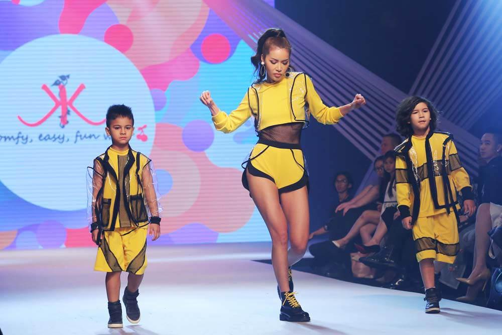 sieu mau thanh hang, minh tu cung nhau dot chay san dien asian kids fashion week - 8