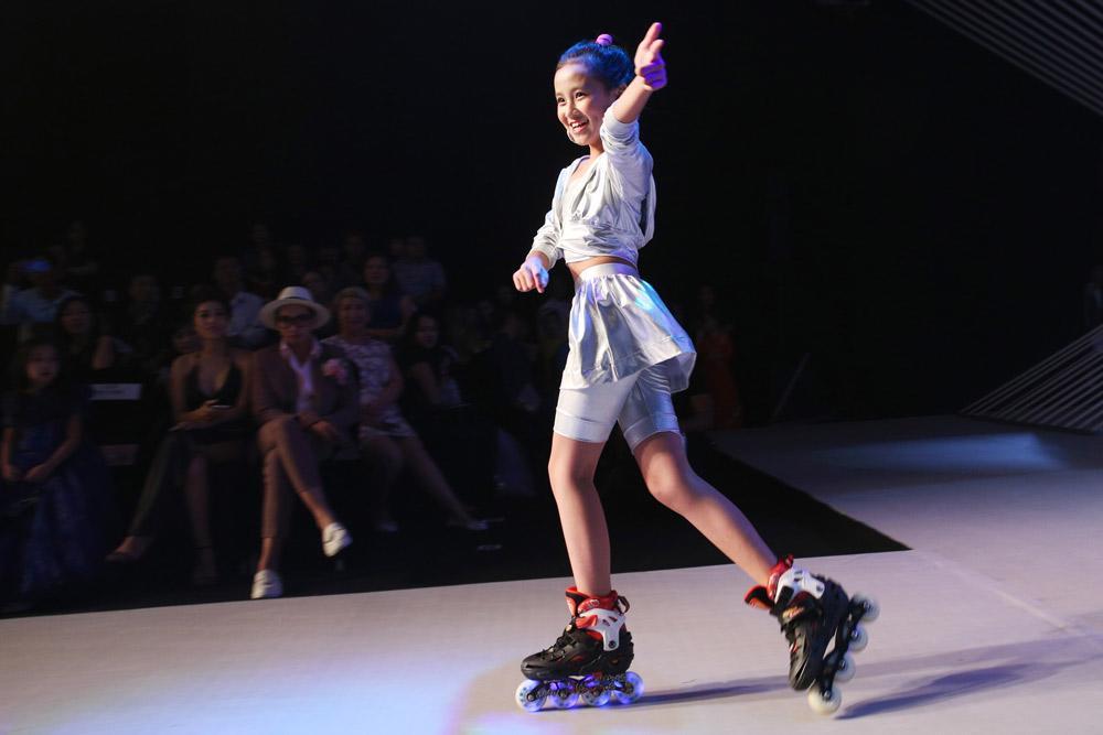 sieu mau thanh hang, minh tu cung nhau dot chay san dien asian kids fashion week - 10