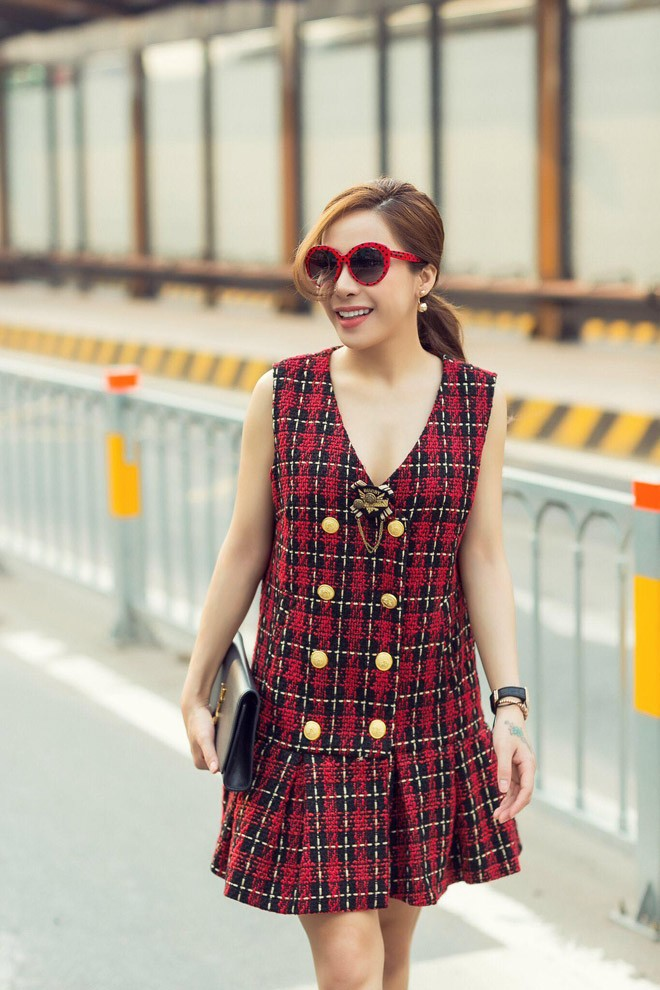 a khoi mai dieu linh khoe street style cuc ky tre trung va cuon hut - 10