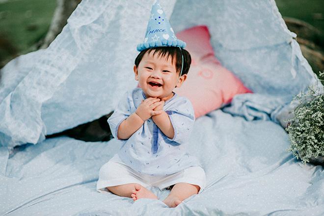 "con trai khanh hien ""toi thay hoa vang tren co xanh"" cuoi het nac trong tiec thoi noi ngoai troi - 9"