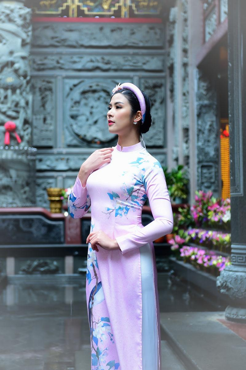 ngoc han rang ro dien ao dai doi voi mau nhi mang hai dong mau hoa - viet - 9