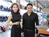 Diễn viên Minh Tiệp cùng vợ tình tứ đi mua sắm