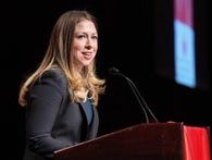Con gái Bill Clinton kiếm gần 27.000 USD cho mỗi phút lên sóng truyền hình