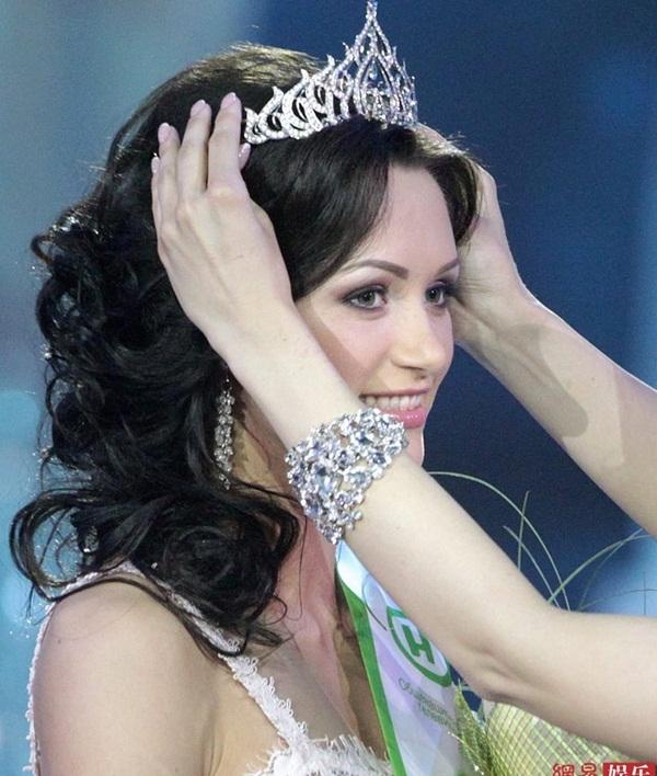 Tân Hoa hậu Belarus nổi bật với vẻ đẹp thiên thần