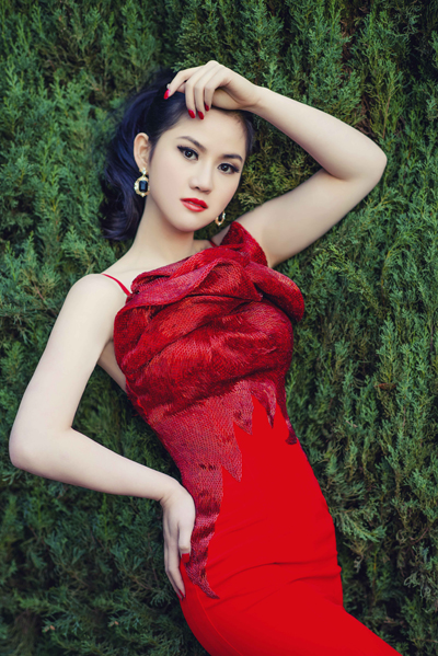 Hoa hậu Tristine Trâm Bùi khoe đường cong tuyệt mỹ