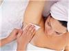 """Wax lông """"cánh"""" tại nhà và những lưu ý để vùng da dưới cánh tay không bị thâm"""
