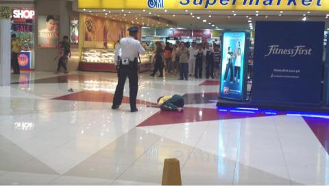 Sốc: Nhảy lầu tự tử khi thấy bạn gái ngoài đời thực quá khác ảnh chụp camera360