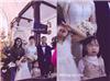 """Bức ảnh hài nhất trong đám cưới và khoảnh khắc """"không dám nhìn vào đôi mắt ấy"""""""