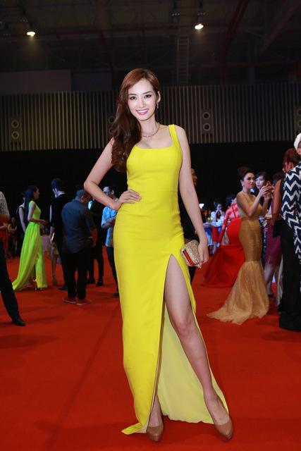 Dàn mỹ nhân Việt đọ váy đắt tiền trong Đêm hội chân dài