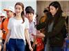 """Hoa hậu Đỗ Mỹ Linh diện trang phục giản dị mà vẫn """"sáng bừng"""" khi đi làm từ thiện"""
