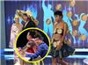 """Dàn """"Victoria's Secret"""" chuyển giới Thái Lan bất ngờ xuất hiện ở Việt Nam, Hoài Linh cười tít mắt"""