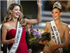 Đương kim Hoa hậu Hoàn vũ thế giới đẹp quên sầu khi trở về quê hương