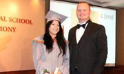 Học sinh Việt tại trường Quốc tế Singapore nhận giải Cambridge