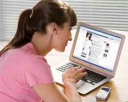 """Cô gái bị lừa hàng chục ngàn USD vì quen """"trai ngoại"""" qua Facebook"""