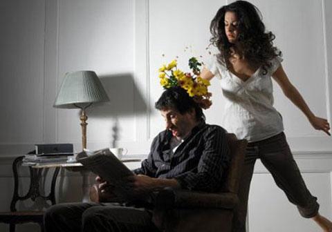 Tâm sự của người chồng bị vợ tra tấn hàng đêm