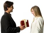 Đoán tính cách của chàng qua những món quà tặng nàng