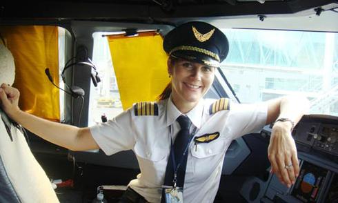 Nữ phi công ngoại và tình yêu Việt Nam